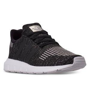NEW Adidas Swift Run Athletic Shoe Size 7